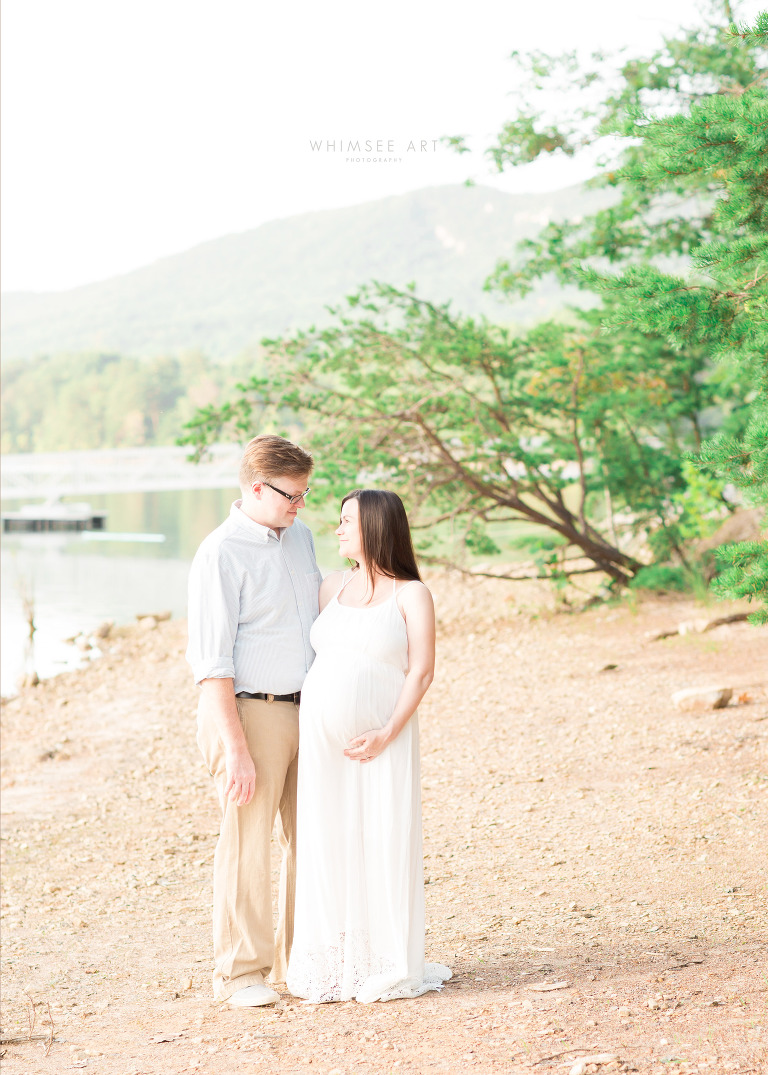 Roanoke VA Maternity Photographer | Whimsee Art Photography | www.whimseeart.com